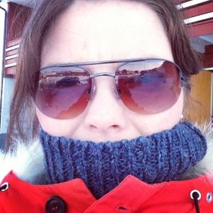 Slik det virkelig var: Snømåking, kald kaffe og null pølser fordi den jævla engangsgrillen ikke ville tenne på i snøhaugen! foto: Vinterverket